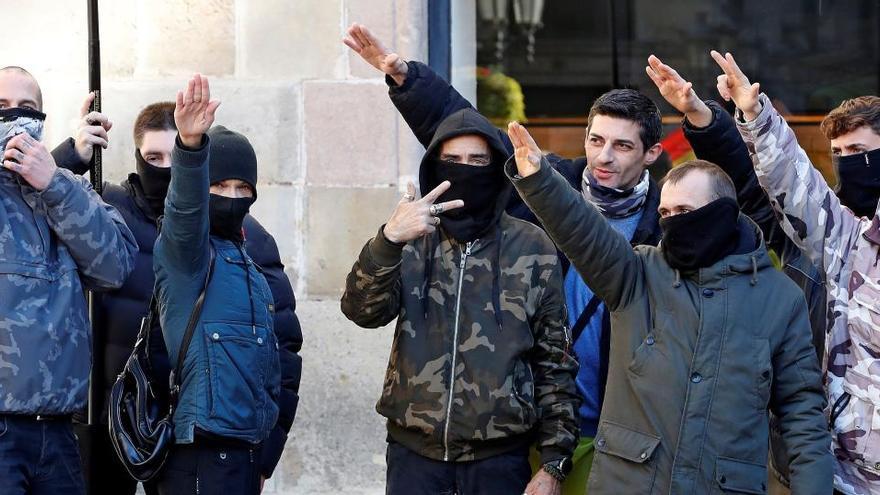 Denuncian por apología del nazismo a varios asistentes al acto de Vox en Barcelona