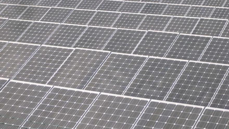 El Gobierno deroga el 'impuesto al sol'