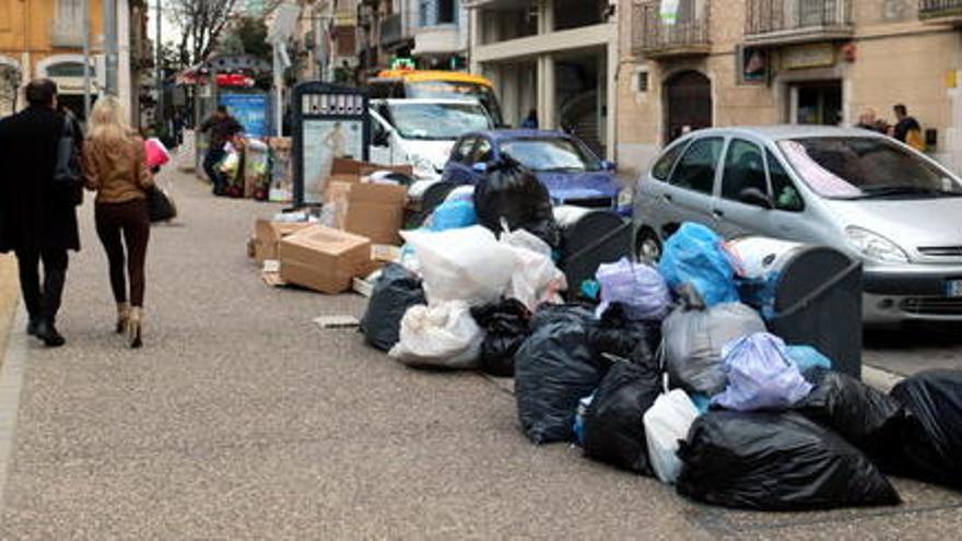 Figueres afronta una nova vaga d'escombraries indefinida