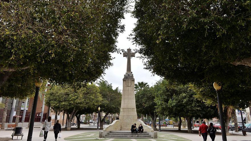 Sesenta profesores de Historia apoyan un manifiesto para la retirada de la Cruz de los Caídos