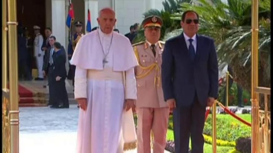 Francisco visita Egipto por la reconciliación entre religiones