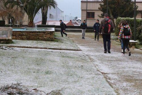 Más de 200 escolares faltan a clase a causa de las intensas heladas