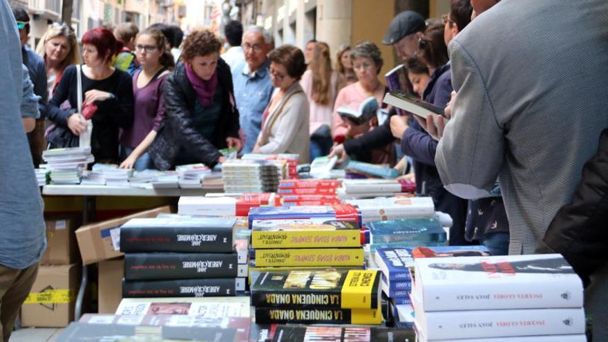 El rànquing dels llibres més venuts aquest Sant Jordi