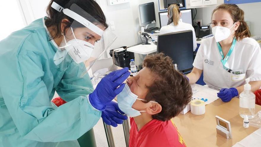 El Sergas cita a 14.000 veinteañeros a vacunarse la próxima semana en el Ifevi