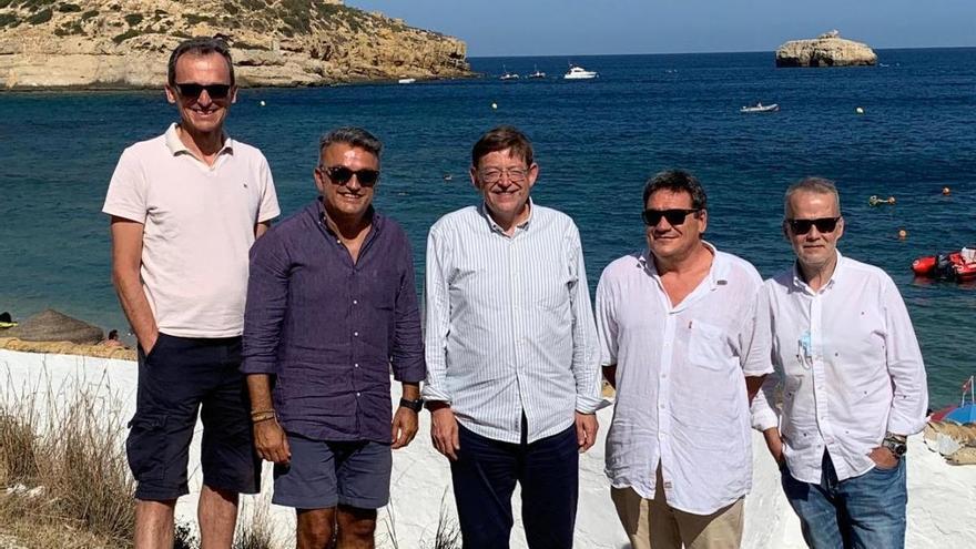 Un diputado del PP formula la denuncia contra Puig y los ministros Duque y Escrivá por la foto sin mascarilla en Xàbia