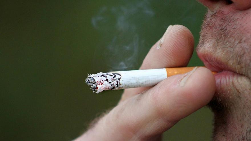 Sanitat ampliarà les restriccions per fumar