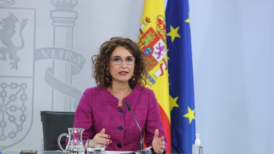 Montero apuesta por reavivar las ventajas de la Zona Especial Canaria para atraer a todos los sectores