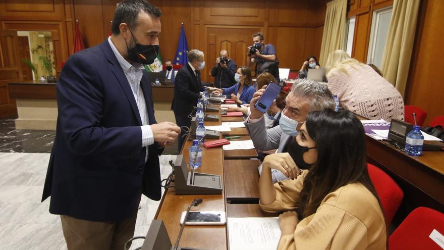 El Pleno pide más inversiones para Córdoba a Pedro Sánchez y Juanma Moreno