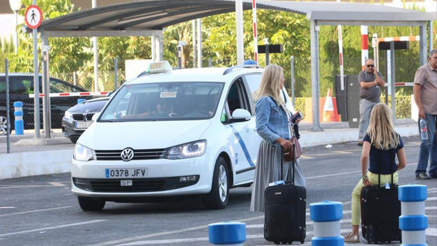 Málaga, séptima ciudad con las tarifas de taxi más caras