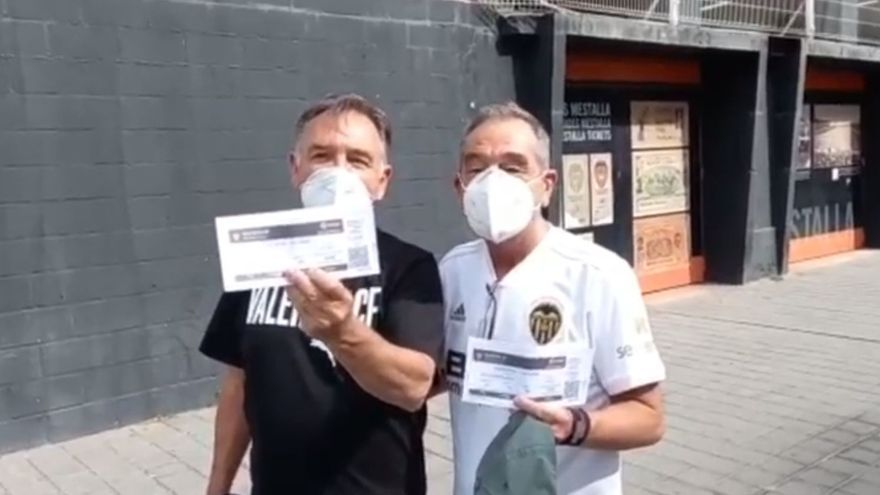 "El grito de guerra antes de entrar a Mestalla: ""Venimos a chillar a Peter Lim"""