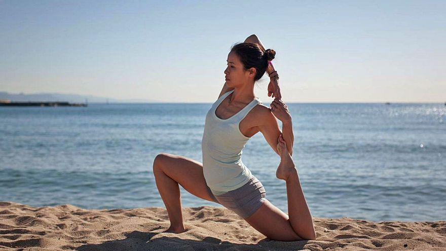 Las Pitiusas celebran el Día Mundial del Yoga con actividades en todos los municipios