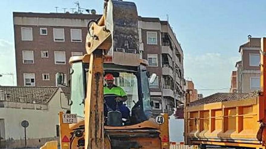 Torrellano estará en obras hasta finales de año por la renovación de la red de agua potable