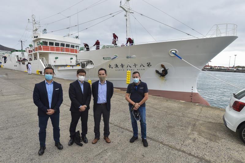 La flota pesquera japonesa, tradicional cliente del Puerto, amplía su presencia