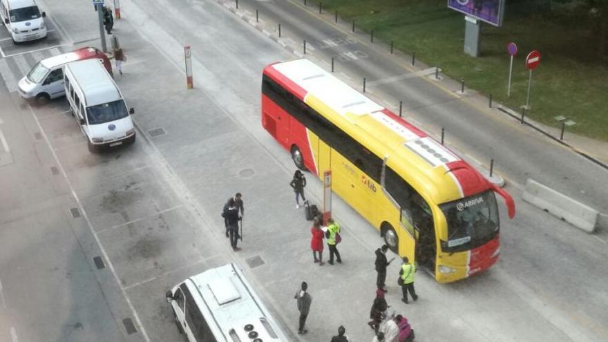 Airport-Bus nach Cala Millor und Shuttle zu Santanyí-Stränden am Start