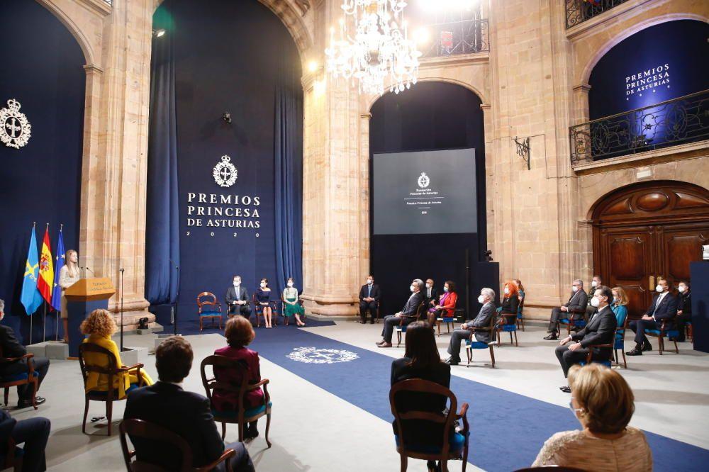 Aspecto general del salón de discursos en el Reconquista.