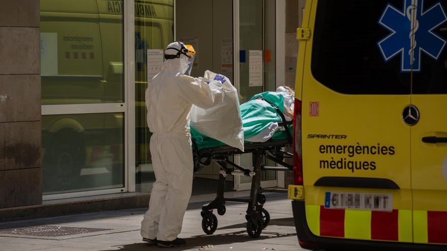 Sanidad comunica 6.623 nuevos contagios y 128 muertes por coronavirus