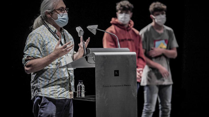 Jean-Marc Broqua recibe el Premio Javier Brun en la Feria Internacional de Teatro y Danza de Huesca