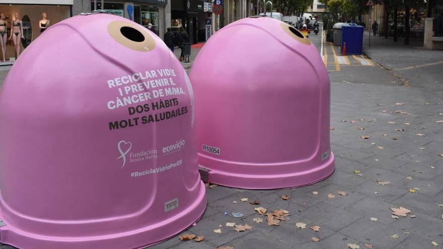Manresa se suma a la campanya de reciclar vidre contra el càncer de mama