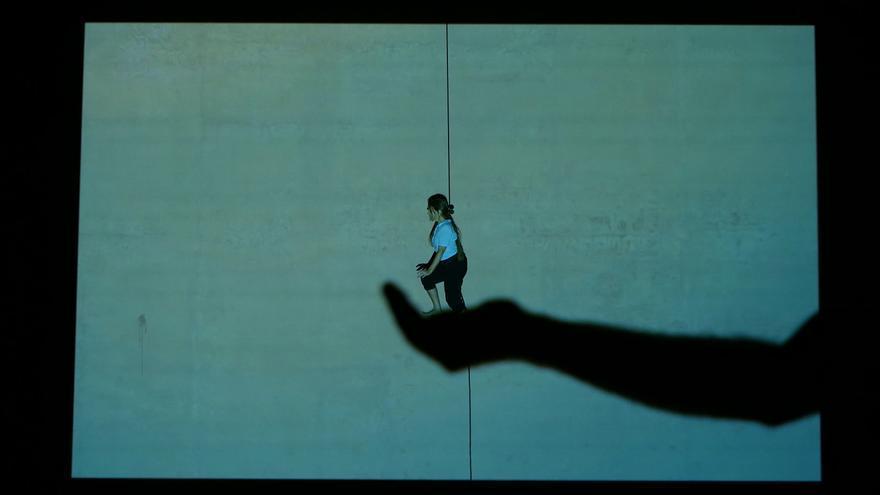 El teatro aéreo llega al Off Romà con 'Nada' de la compañía Herrero & Weidmann