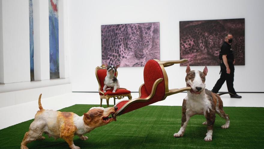 Un total de 21 artistas nacionales e internacionales se dan cita en la exposición 'Animalario'