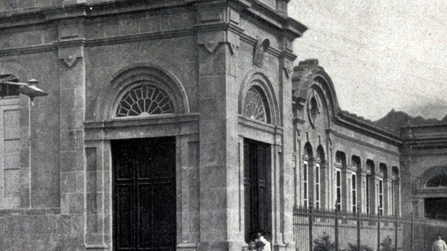 Primer colegio público construido en Santa Cruz de Tenerife