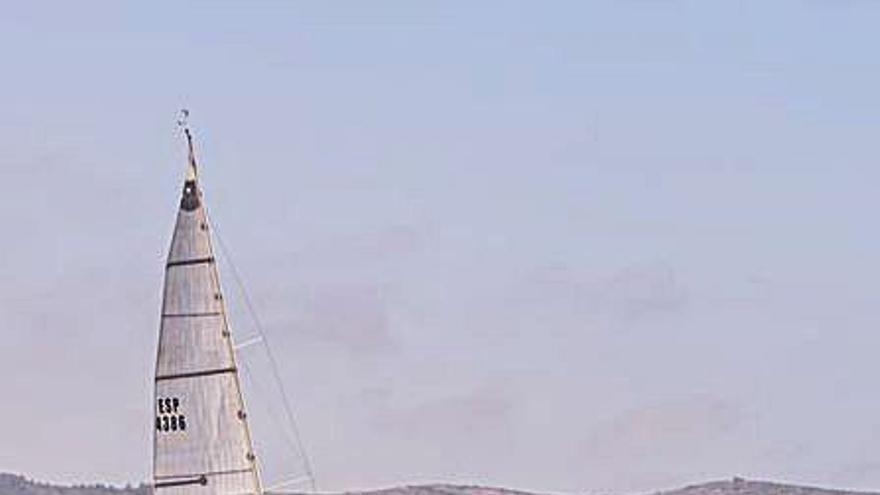 El Barbablu del suecano Carlos Pavía se adjudica el Trofeo Faro de Cullera