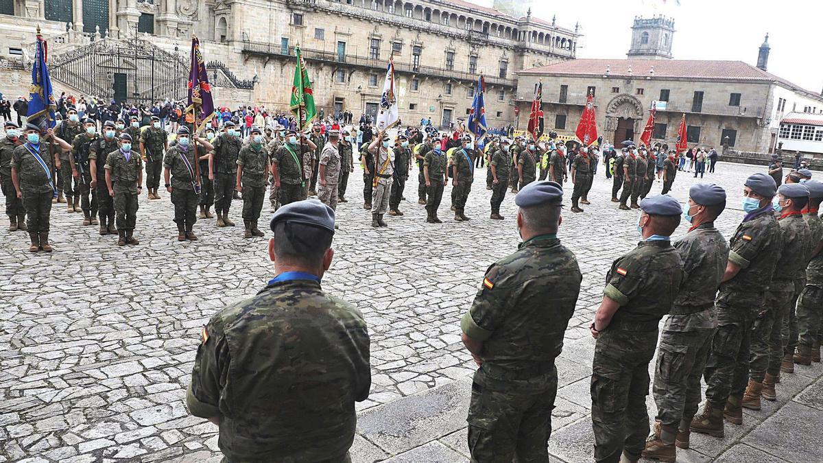 Los participantes, formados en la tarde de ayer en la plaza do Obradoiro.