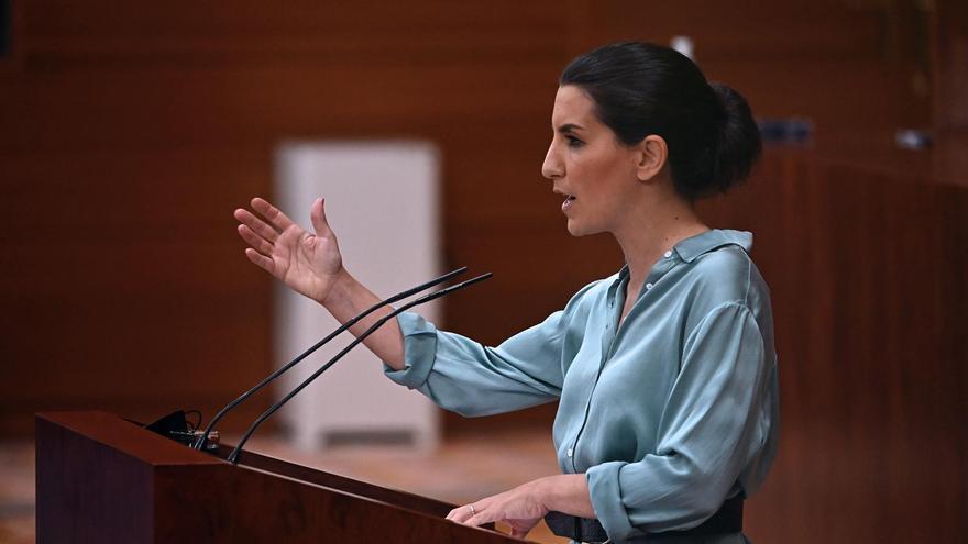 Polèmica a l'Assemblea de Madrid: Vox acusa Mbayé de Podemos d'haver entrat il·legalment a Espanya