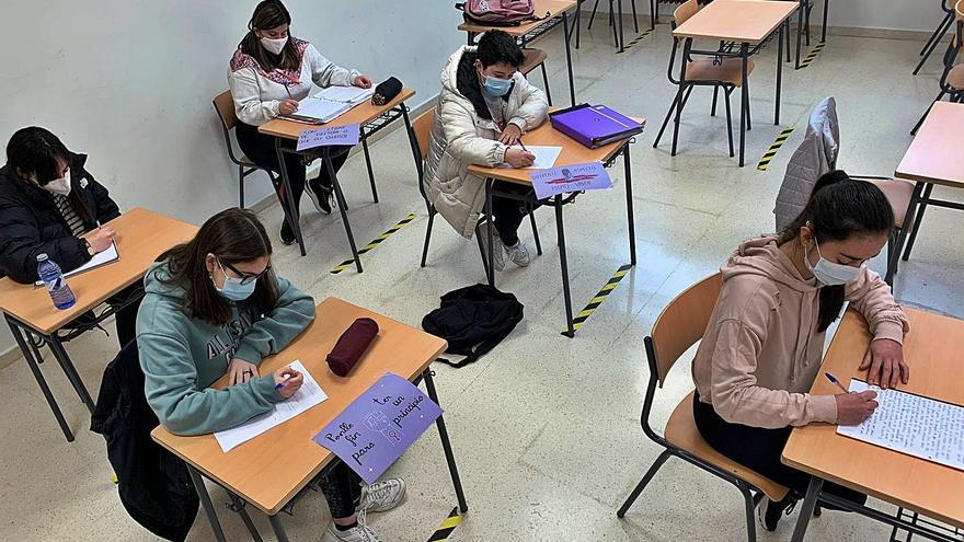 Azos Feministas convida as aulas a reflexionar sobre o 8-M
