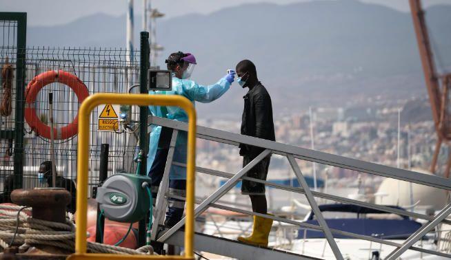 Traslado migrantes a Santa Cruz de Tenerife.