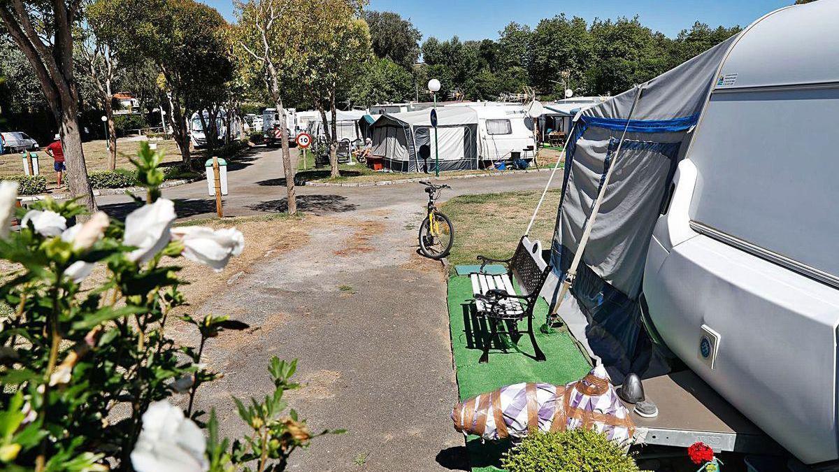 El camping de Bañugues.