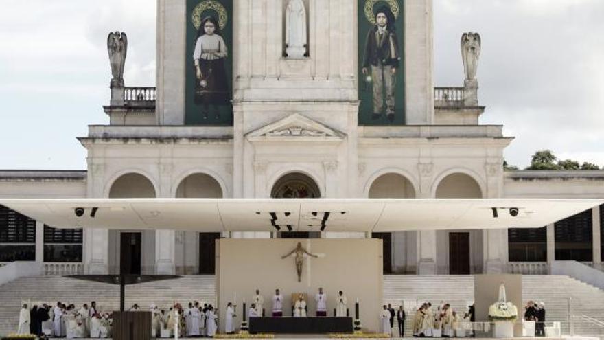 El Papa santifica a los pastorcillos de Fátima