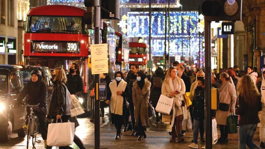 Duras restricciones en Londres tras una reunión de urgencia sobre la nueva cepa