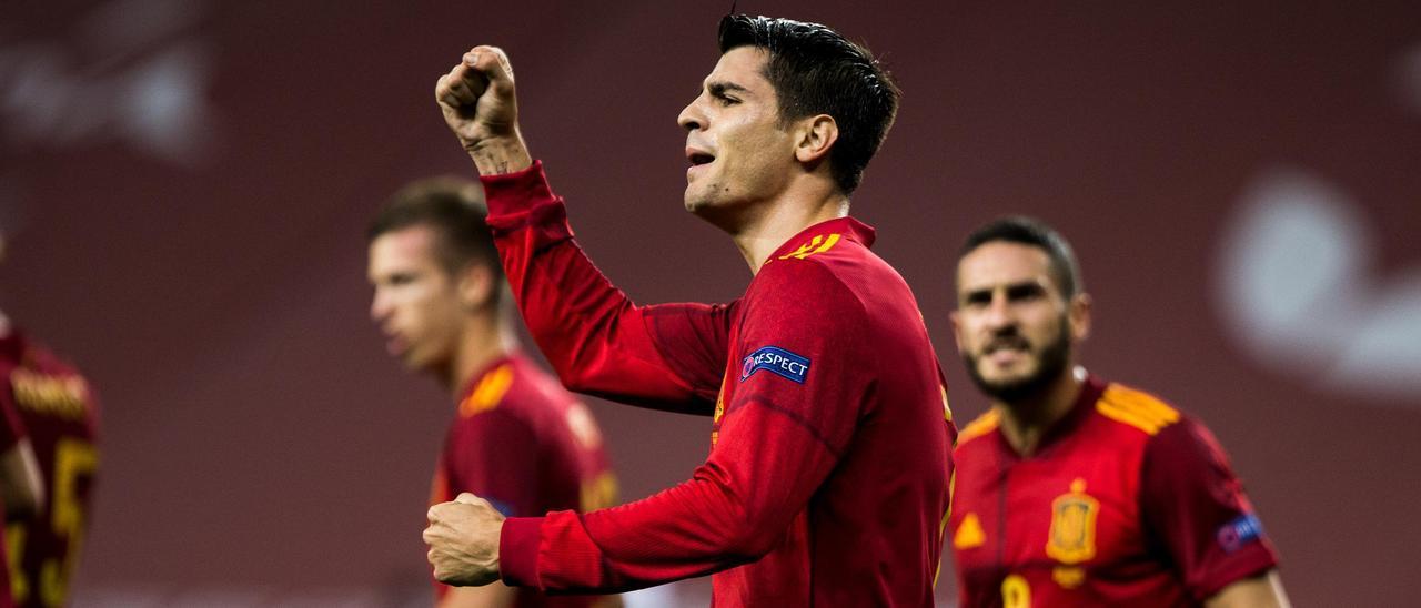 Morata celebra un gol de la selección española.