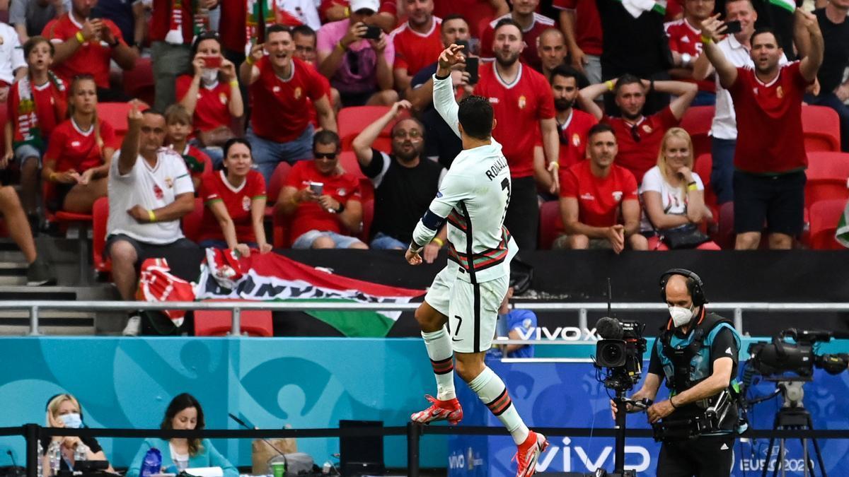 Cristiano Ronaldo celebra el segon gol de Portugal