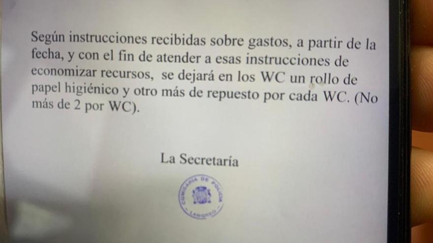 Restringen la compra de papel higiénico en las Comisarías de Asturias a dos rollos por baño