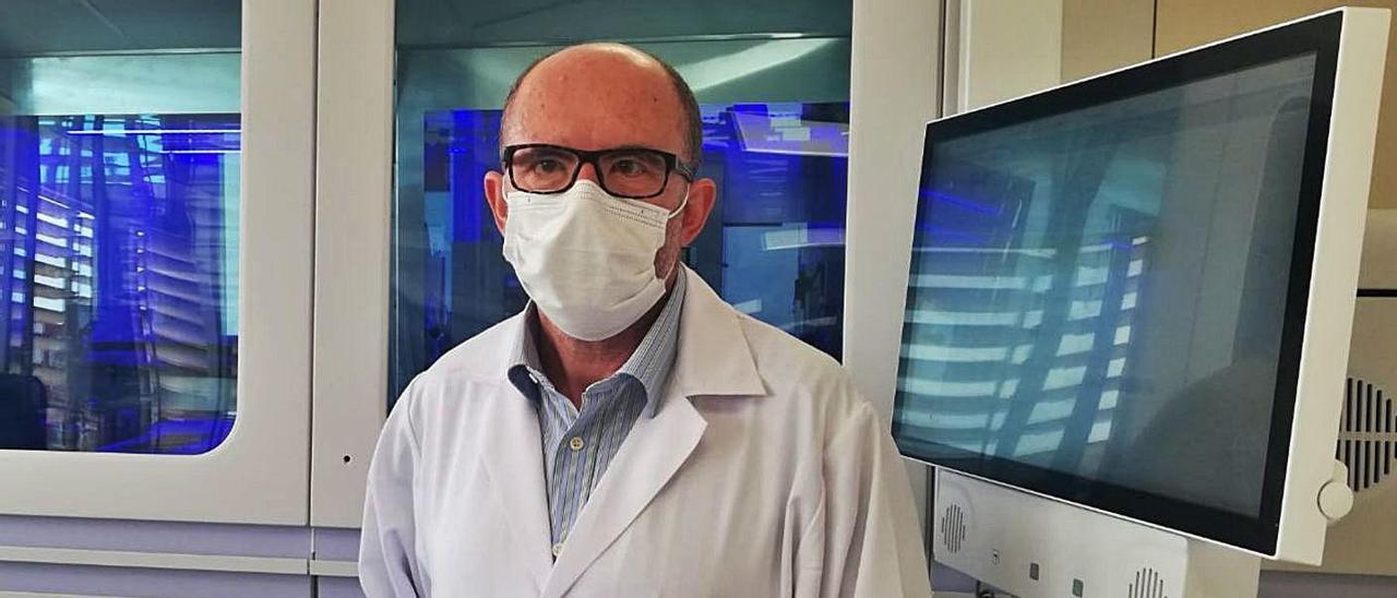 El jefe de Microbiología del Hospital General de Alicante, Juan Carlos Rodríguez.