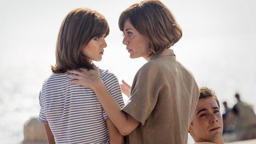 CARTELLERA   Patricia Font estrena «Gente que viene y bah» amb Clara Lago i Carmen Maura