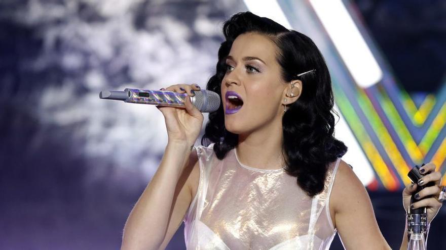 Katy Perry da un miniconcierto y viste de sonrisa el Tomorrowland digital