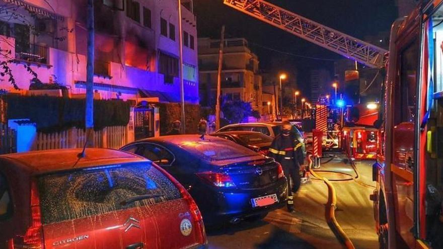 Fallece una mujer en el incendio de su casa en Alicante