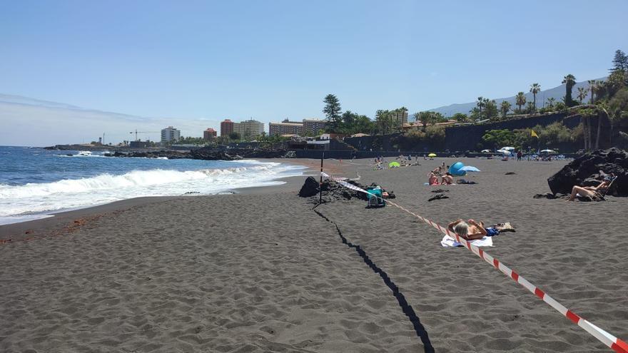 Puerto de la Cruz cierra al baño las playas de Punta Brava y El Castillo