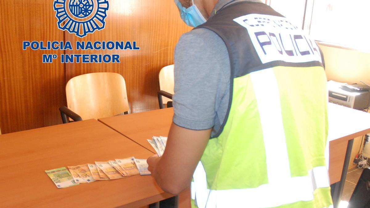 La Policía Nacional detiene a un varón por distribuir billetes falsos en establecimientos de Benidorm