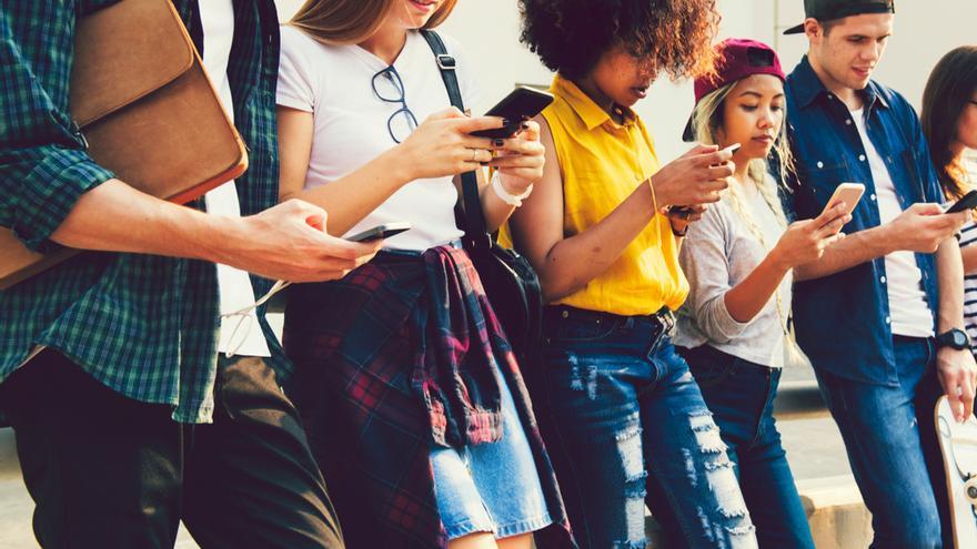 Comprometidos, hiperconectados y solos, así son los de la Generación Z