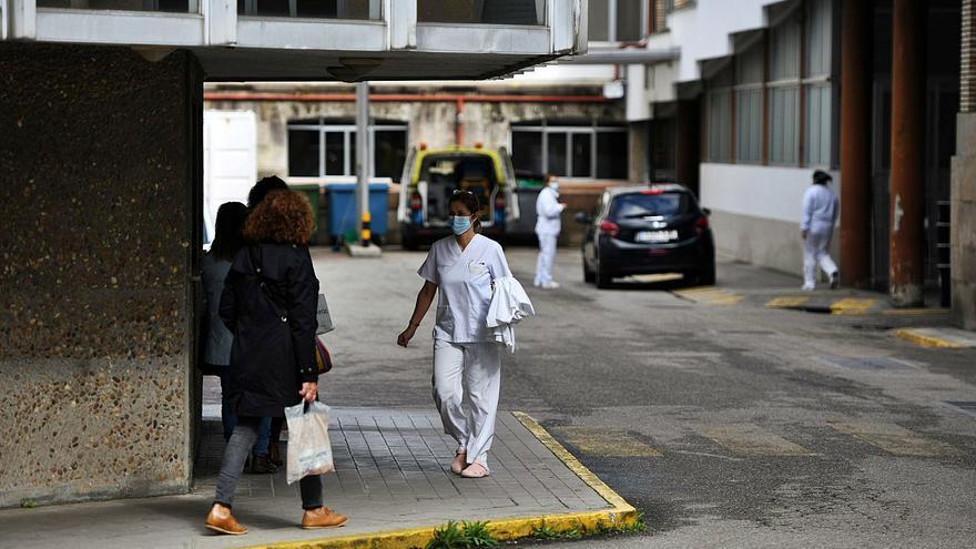 El brote de Oncología ya tiene 27 positivos, mientras el área sanitaria roza los 600 casos