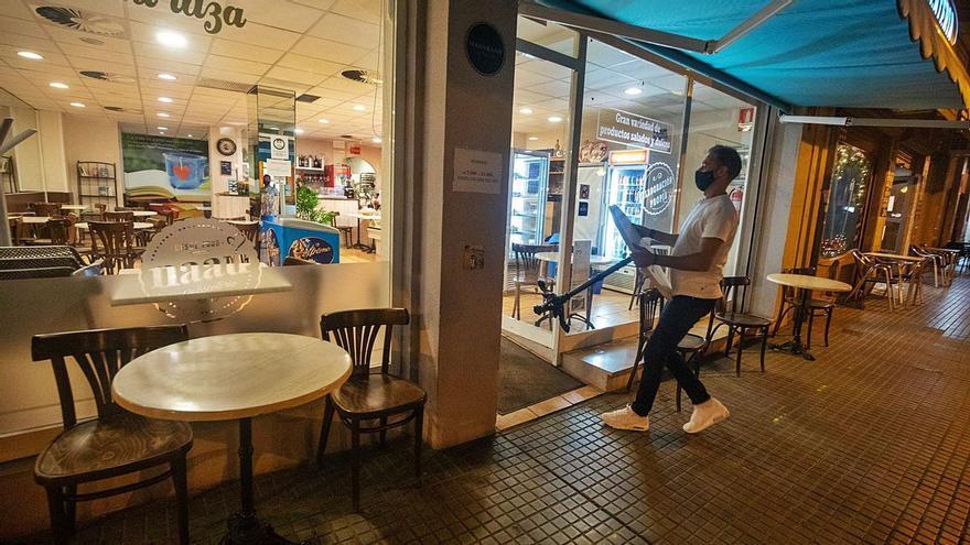 Restauradores piden al TSJB que permita reabrir ya los interiores
