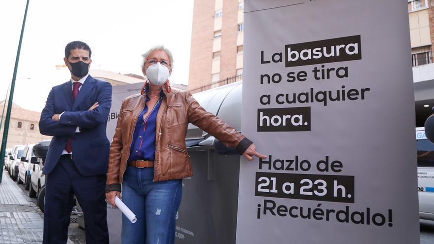 'Ser limpios por Málaga' pide a los vecinos de la capital que cumplan con los horarios para tirar la basura