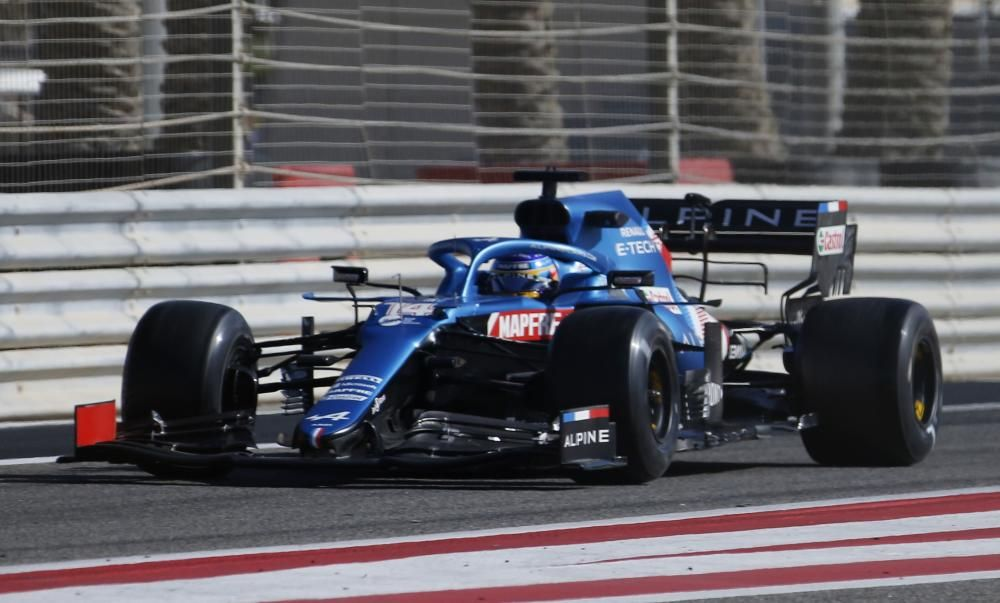 Fernando Alonso with Alpine in the Bahrain test.