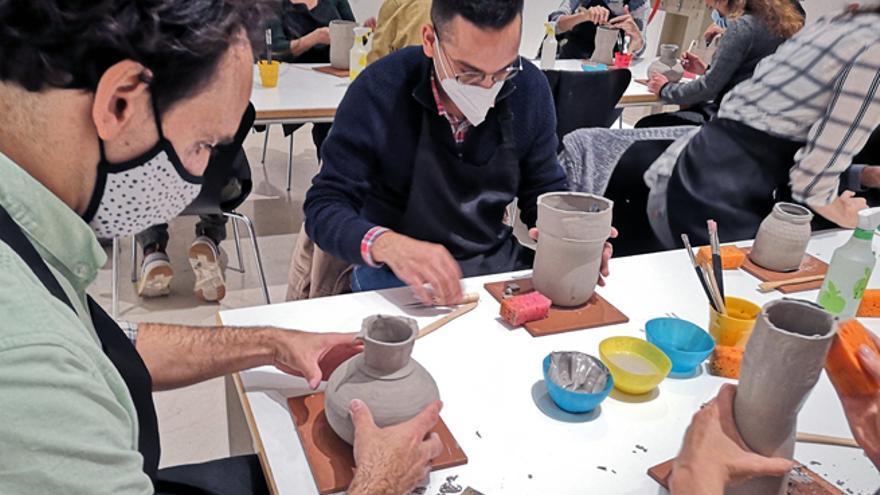 Taller de cerámica a partir de moldes