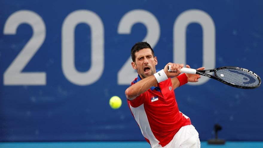 Djokovic cede ante Zverev y luchará por el bronce con Carreño
