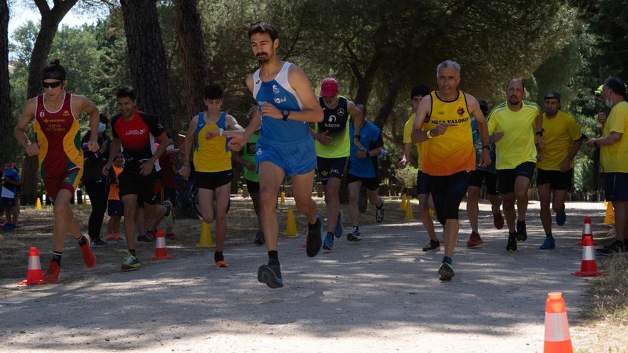 Atletismo en Zamora | Ángel Nieto y Elena Calvete ganan el Cross del Ajo 2021 en Valorio